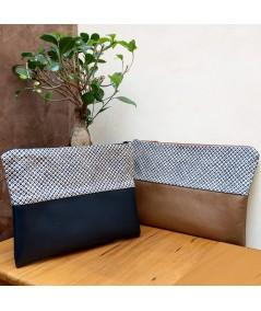 Pochette Awa en cuir bleu et tissu Shibori